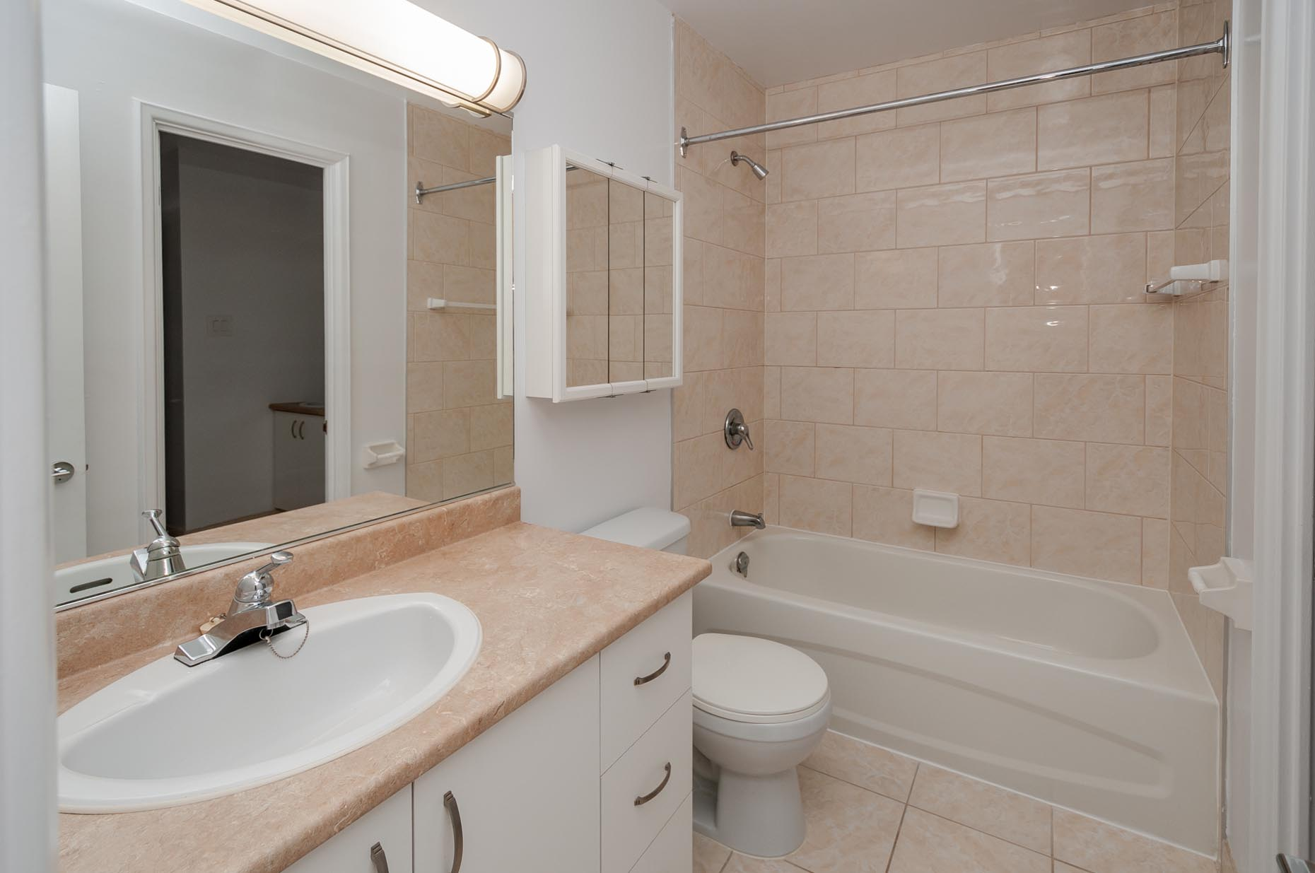 Bathroom in a classic apartment suite at Place Charlesbourg in Québec