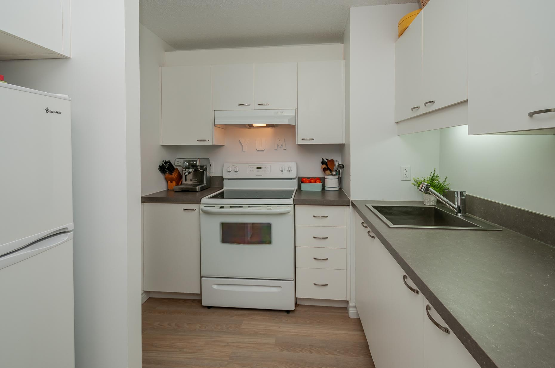 Classic Kitchen in Complexe Laudance