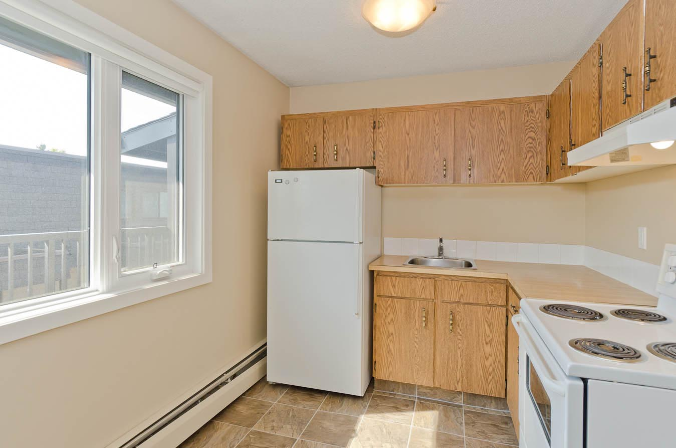Classic Kitchen in Varsity Place Apartments